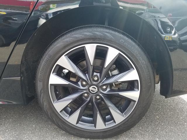 2017 Nissan Sentra SR CVT 11