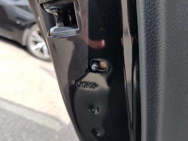 2017 Nissan Sentra SR CVT 16