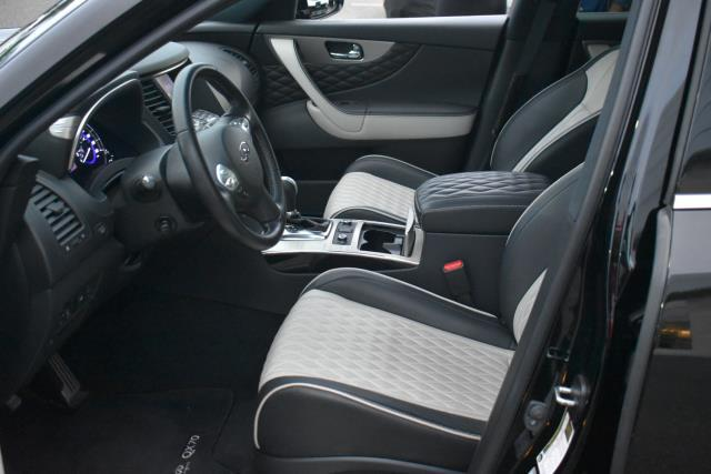 2017 INFINITI QX70 AWD 15
