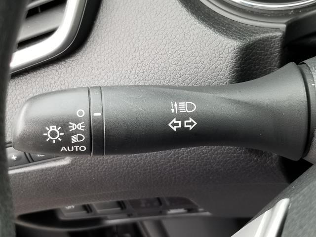 2015 Nissan Rogue AWD 4dr SV 27