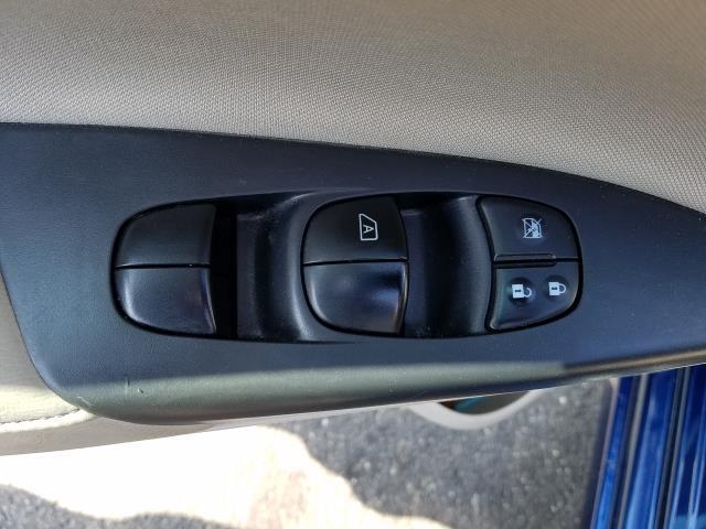 2017 Nissan Sentra SV CVT 14