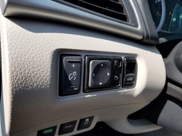 2017 Nissan Sentra SV CVT 15