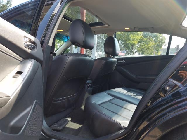 2012 Nissan Altima 4dr Sdn I4 CVT 2.5 SL 11