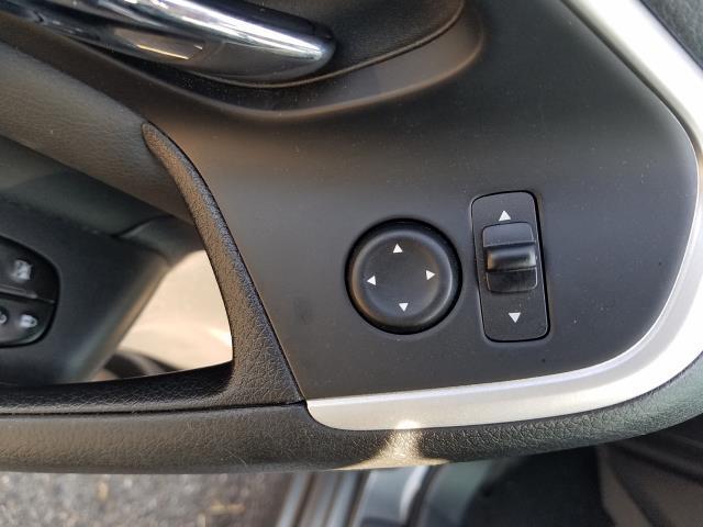2016 Nissan Altima 4dr Sdn I4 2.5 SL 17