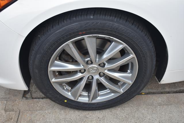 2015 INFINITI Q50 4dr Sdn Premium AWD 6