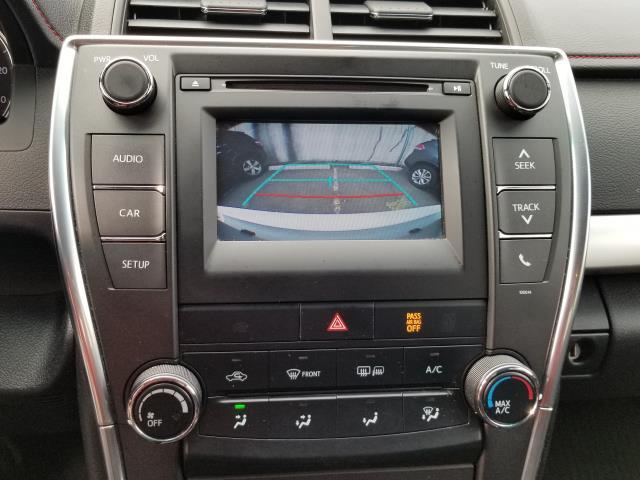 2017 Toyota Camry SE Auto (Natl) 22