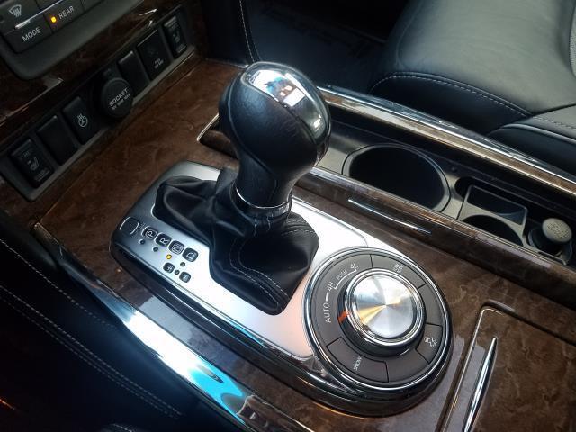 2016 INFINITI QX80 4WD 4dr 24
