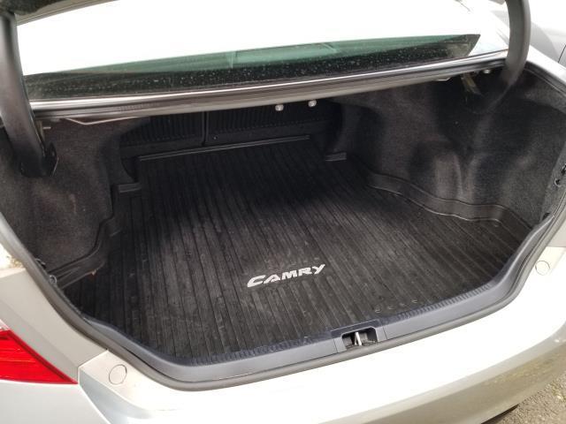 2017 Toyota Camry SE 12