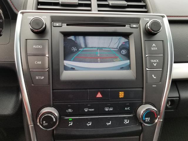 2017 Toyota Camry SE 22
