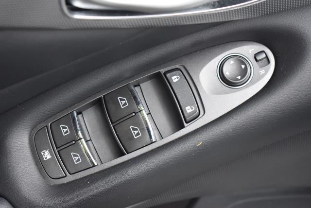 2016 INFINITI Q50 4dr Sdn 3.0t Premium AWD 16