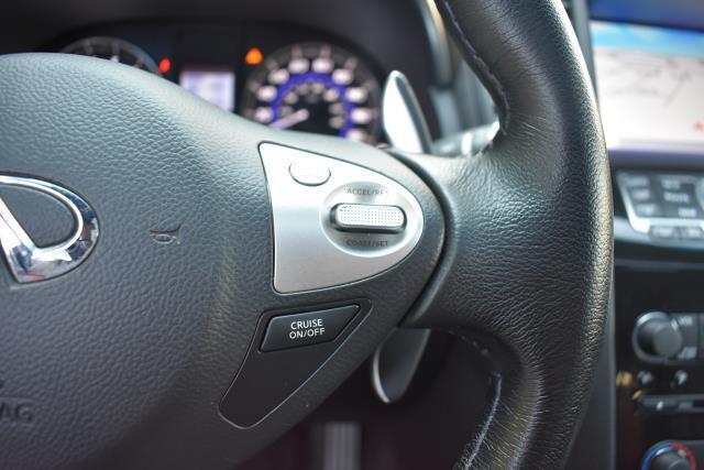 2016 INFINITI QX70 AWD 4dr 25