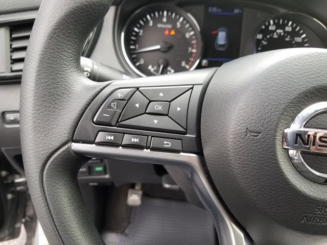 2019 Nissan Rogue S 18