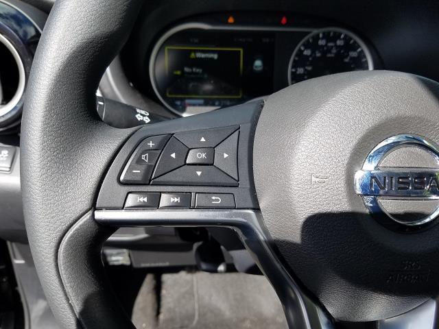 2019 Nissan Kicks SV 16