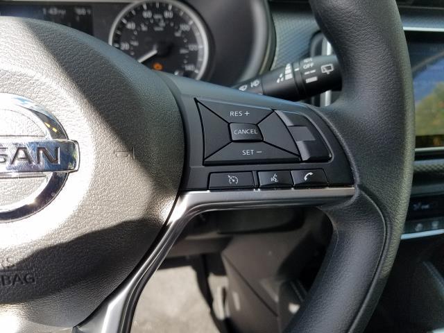 2019 Nissan Kicks SV 17
