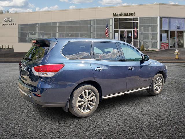 2016 Nissan Pathfinder 4WD 4dr SV 2