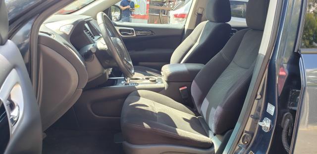 2016 Nissan Pathfinder 4WD 4dr SV 8