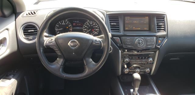 2016 Nissan Pathfinder 4WD 4dr SV 11