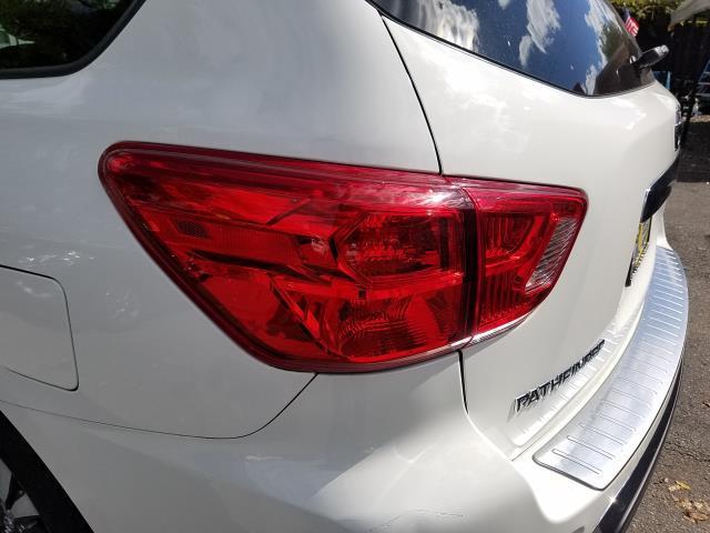 2017 Nissan Pathfinder 4x4 S 9
