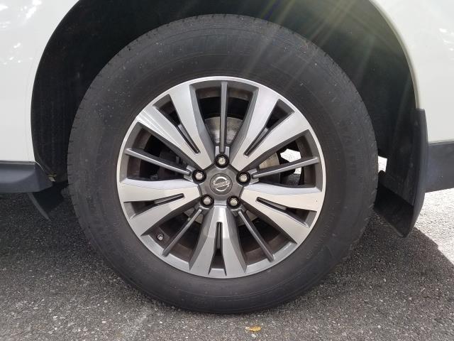 2017 Nissan Pathfinder 4x4 S 10