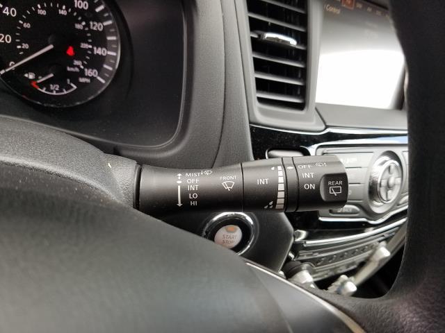 2017 Nissan Pathfinder 4x4 S 22