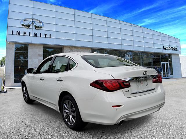 2016 INFINITI Q70 4dr Sdn V6 AWD 2
