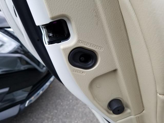 2016 INFINITI Q70 4dr Sdn V6 AWD 13