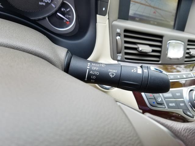 2016 INFINITI Q70 4dr Sdn V6 AWD 22