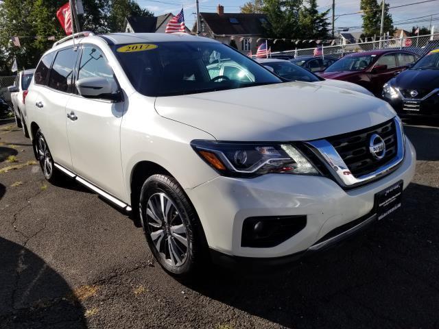 2017 Nissan Pathfinder SV 6