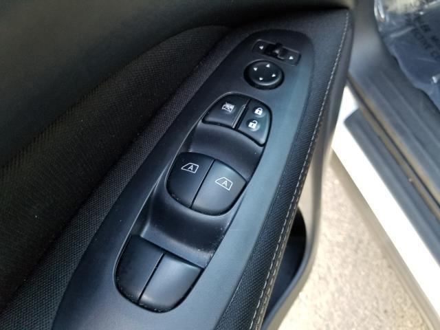 2017 Nissan Pathfinder SV 20
