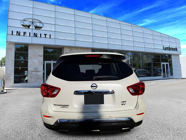 2017 Nissan Pathfinder SV 3