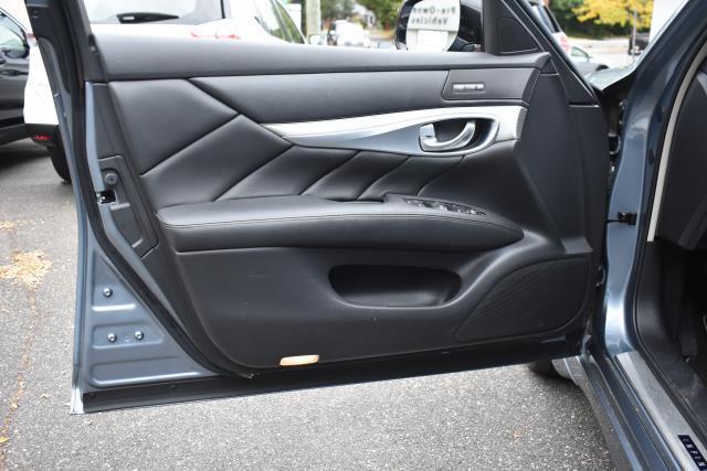 2016 INFINITI Q70 4dr Sdn V6 AWD 16
