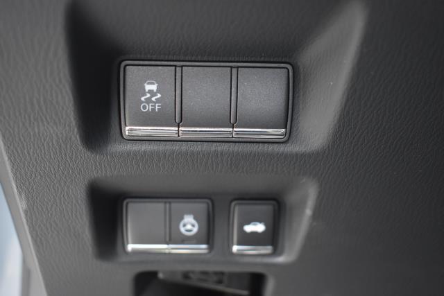 2016 INFINITI Q70 4dr Sdn V6 AWD 19