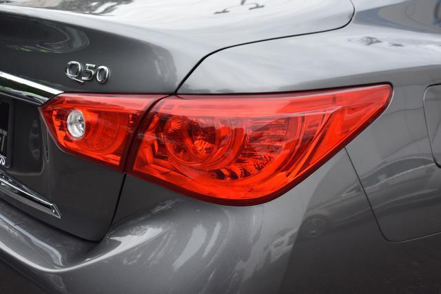 2016 INFINITI Q50 4dr Sdn 3.0t Premium AWD 11