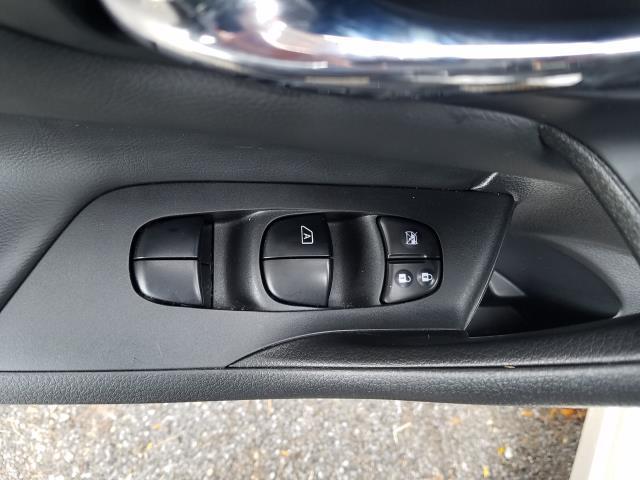 2017 Nissan Altima 2.5 SR Sedan 15