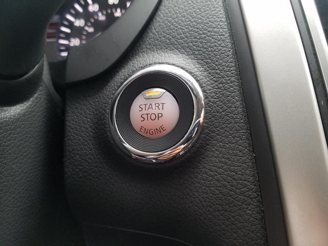 2017 Nissan Altima 2.5 SR Sedan 26