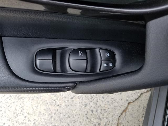 2019 Nissan Rogue AWD S 16