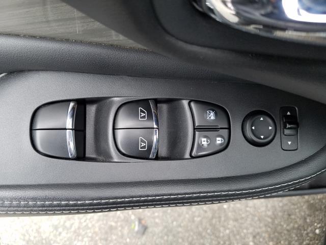 2017 Nissan Murano AWD SL 14