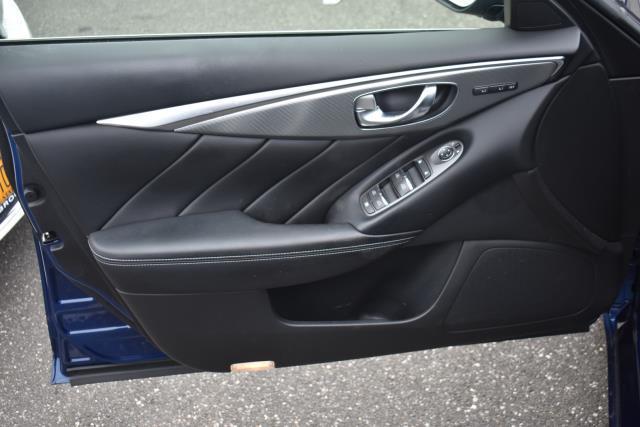 2016 INFINITI Q50 4dr Sdn 3.0t Red Sport 400 AWD 12