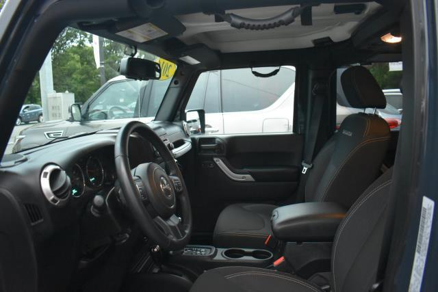 2016 Jeep Wrangler Unlimited Sahara 13