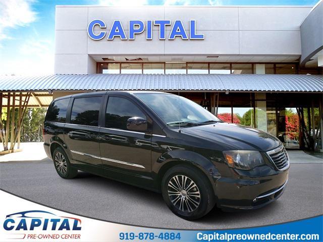 2014 Chrysler Town & Country S 4D Passenger Van Slide