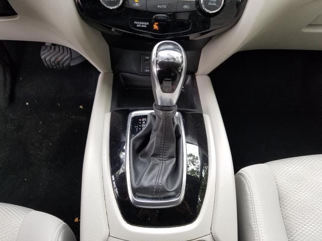 2018 Nissan Rogue Sport SV 23