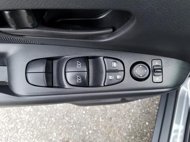 2019 Nissan Kicks S FWD 15