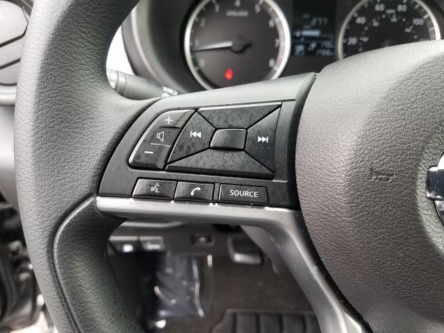 2019 Nissan Kicks S FWD 17