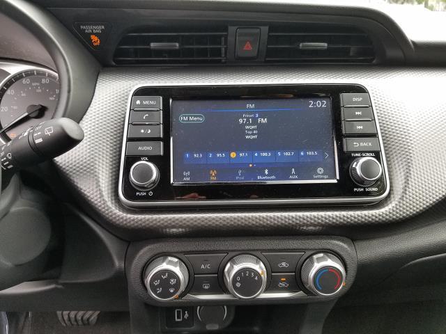 2019 Nissan Kicks S FWD 24