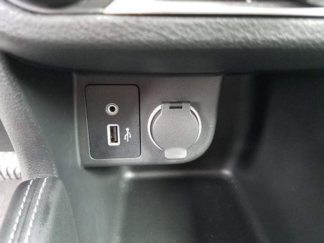 2019 Nissan Kicks S FWD 26