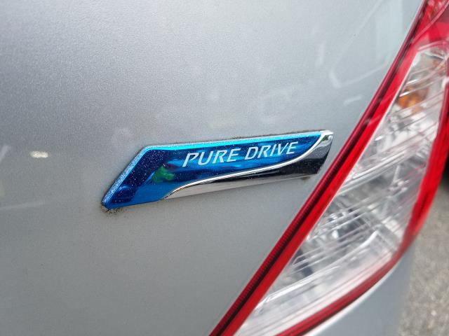 2014 Nissan Versa 4dr Sdn Manual 1.6 S 9