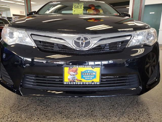2012 Toyota Camry LE 0