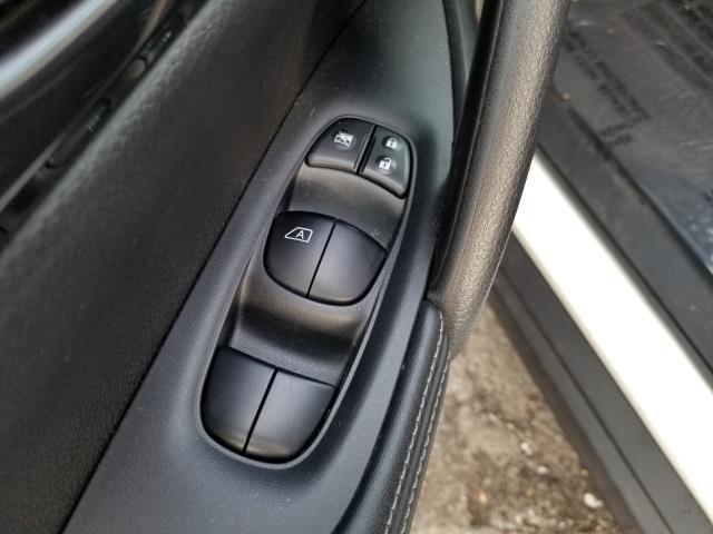 2017 Nissan Rogue 2017.5 AWD S 19