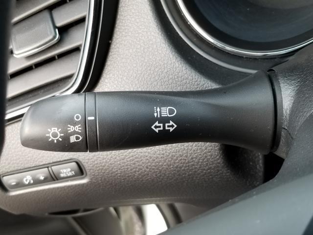 2017 Nissan Rogue 2017.5 AWD S 27