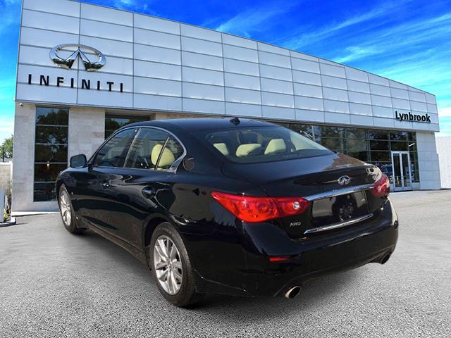 2015 INFINITI Q50 Premium 2